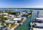 Location vacances Summerland Key - Reel Living 2bed/1bath Waterfront Beachy Cottage-1
