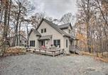 Location vacances Waynesboro - Tranquil Cabin with Deck the Wintergreen Resort-3