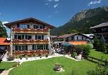 Location vacances Oberstdorf - Alpenflair Ferienwohnungen Gästehaus Tepferdt-1