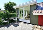 Location vacances Hjerting - Two-Bedroom Holiday home in Esbjerg V 1-3