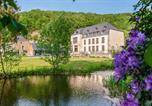 Location vacances  Ardennes - Vireux-Wallerand Chateau Sleeps 60 Wifi-1