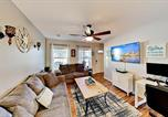 Location vacances Summerville - Charming Home in Oakland - Fire Pit & 6 Smart Tvs home-1