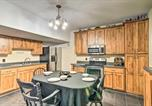 Location vacances West Des Moines - Racoon River Retreat Indoor Pool and Outdoor Fun!-4