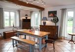 Location vacances Bennetot - Spacious Cottage in Colleville with Garden-3