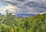 Location vacances Gatlinburg - Luxurious 'Smokies View' Gatlinburg Falls Cabin!-3