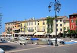 Location vacances Lazise - Beautiful residence with two swimming pools near lake Garda-3