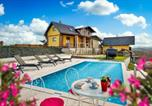 Location vacances Varaždinska - Nice home in Cestica w/ Outdoor swimming pool and 4 Bedrooms-2