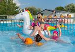 Camping avec Piscine Saint-Lyphard - Camping La Fontaine-1