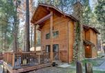 Location vacances Oakhurst - 12 Cabin Twelve-1