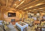 Location vacances Fancy Gap - Thurmond Cabin on Alpaca Farm Near Wineries!-3