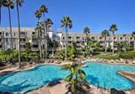 Location vacances Oceanside - Beachfront Oceanside Condo w/ Pool & Hot Tub!-1