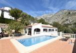 Location vacances Communauté Valencienne - Beautiful Villa in Altea with Private Swimming Pool-2