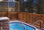 Location vacances Invermere - Instant Suites 2 Br Penthouse with Mt Views and Hot Tub-4