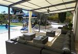 Location vacances Le Castellet - Villa avec piscine chauffée-1