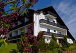 Hôtel Bad Arolsen - Hotel & Ferienwohnungen Seeschlößchen-1