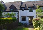 Location vacances Padstow - Cosy Holiday Home in Cornwall near River-1