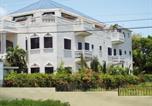 Location vacances  Jamaïque - Little Savoy Guest House-1