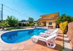 Location vacances Hostalric - Sant Ponc Villa Sleeps 14 Pool Air Con Wifi-2