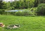 Location vacances Palatine Bridge - Tentrr - Tuscan Highland Pond Site East-2