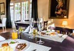 Location vacances Durbanville - Le Petit Chateau Guest House-3