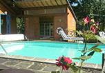 Location vacances Saint-Jacques-d'Ambur - Apartment La Gardette-1