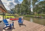 Location vacances Macon - Upscale Lake Living Private Dock and Beach!-1