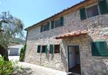 Location vacances Carmignano - Rustic Farmhouse in San Baronto with Swimming Pool-2