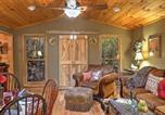 Location vacances Huntsville - Romantic Tree House Cottage - Minutes to Mentone!-4