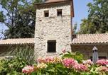 Location vacances La Vineuse - Le Pigeonnier Des Cabanes-3