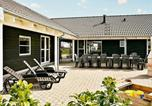 Location vacances Væggerløse - Welcoming Holiday Home in Væggerlose with Private Pool-2