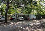 Camping avec Site nature Montfrin - Flower Camping le Pilon d'Agel-4