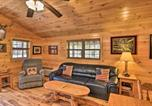 Location vacances Bridgeport - Anchors Away Cabin Hideaway with Fire Pit!-4