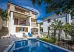 Location vacances Kostrena - Awesome home in Kostrena w/ Outdoor swimming pool and 4 Bedrooms-1