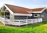 Location vacances Juelsminde - Three-Bedroom Holiday home in Juelsminde 26-3