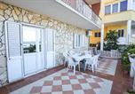 Location vacances Kukljica - Beachfront 5br Home Victoria-4
