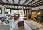 Location vacances Benenden - Charming Holiday Home in Cranbrook with Fireplace-1