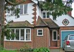 Location vacances Kingston upon Thames - Holiday Home Jeanettes-1