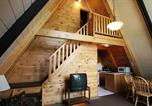 Location vacances Lake George - Kathy's Resort & Two-Bedroom Chalet - Cabin E-2