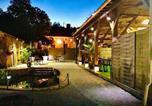 Location vacances Salviac - La biche au bois chambres d hôtes-1