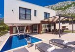 Location vacances Omiš - New and stylish Villa Bruna with 32sqm heated pool, sauna, billiard and media room-3