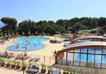 Camping avec Quartiers VIP / Premium Sausset-les-Pins - Yelloh! Village - Luberon Parc-1