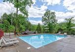 Location vacances Gatlinburg - Our Mountain Home, 2 Bedrooms, Walk Downtown, Pool Access, Wifi, Sleeps 4-2