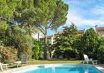 Location vacances Saint-Rémy-de-Provence - Apartment with one bedroom in Saint-Rémy-de-Provence, with shared pool, enclosed garden and Wifi-1