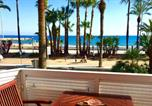 Location vacances  Province de Barcelone - Sitges Seafront Ribera Apartment-3
