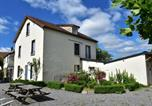 Location vacances  Nièvre - Lovely Holiday Home in St-Honore-les-Bains with Garden-1