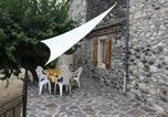 Location vacances Alba-la-Romaine - Escoutay dans bastide Médiévale-1