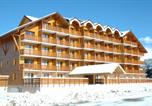 Location vacances  Hautes-Alpes - Appartements L'horizon Blanc-1