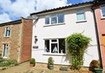 Location vacances Middleton - Charming holiday home in Middleton with garden-2