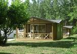 Camping avec Piscine couverte / chauffée Monfaucon - Camping Du Vieux Château-3