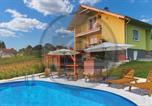 Location vacances Ivanić-Grad - Amazing home in Popovaca with Outdoor swimming pool and 2 Bedrooms-2